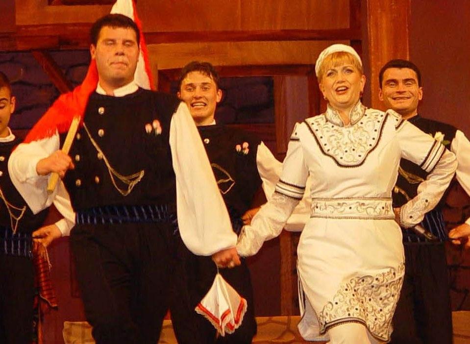 Николина Чакърдъкова с празничен концерт в деня на Съединението в Поморие