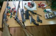 Цял боен арсенал откриха в барачката на мъж от Писменово