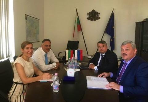 Николина Ангелкова: Ще развиваме поклонически и детски туризъм с Коми