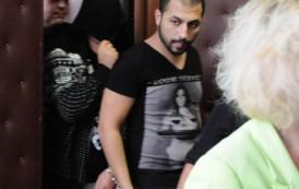 Внесоха акта срещу Борислав и Албенко, завлекли баба Еленка с над половин милион лева