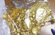 Иззеха контрабандно злато и сребро на
