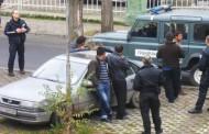 Акция на МВР: Задържаха полицаи и мигранти