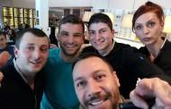 Григор Димитров раздава автографи в пицарията на Лео, Никол е с него /снимки/