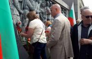 Николай Тишев участва в тържественото честване на Деня на победата в Бургас