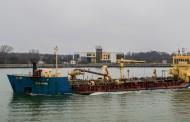 Руски кораб акостира в Бургас. Вижте защо