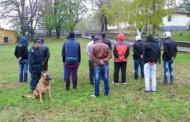 Задържаха каналджия, превозвал 14 бежанци в товарен автомобил