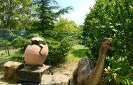 Макети на динозаври в парк