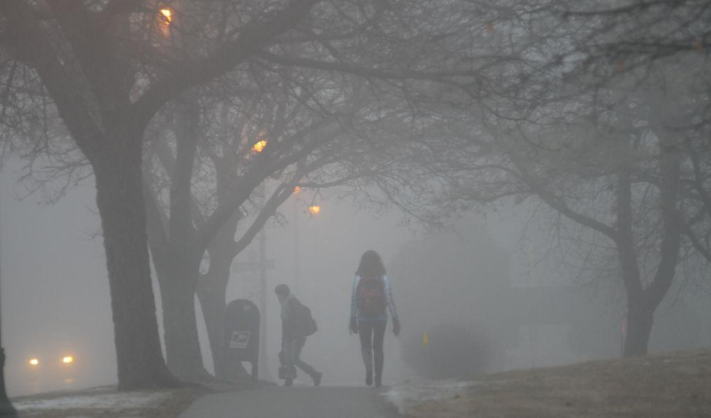 Затвориха пристанищата заради мъгла