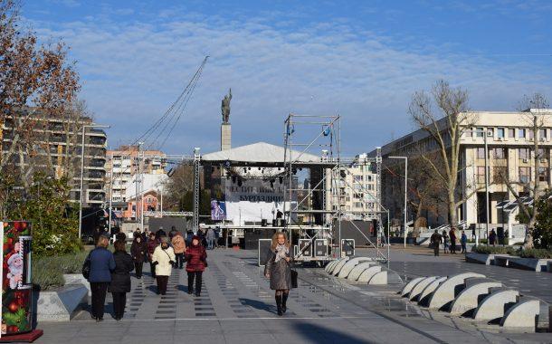 Готова е сцената за големия никулденски концерт - колко публика ще се събере?