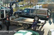 Полицаи нахлуха в погребалните агенции в Бургас, вдигнаха с паяк катафалките/ видео/