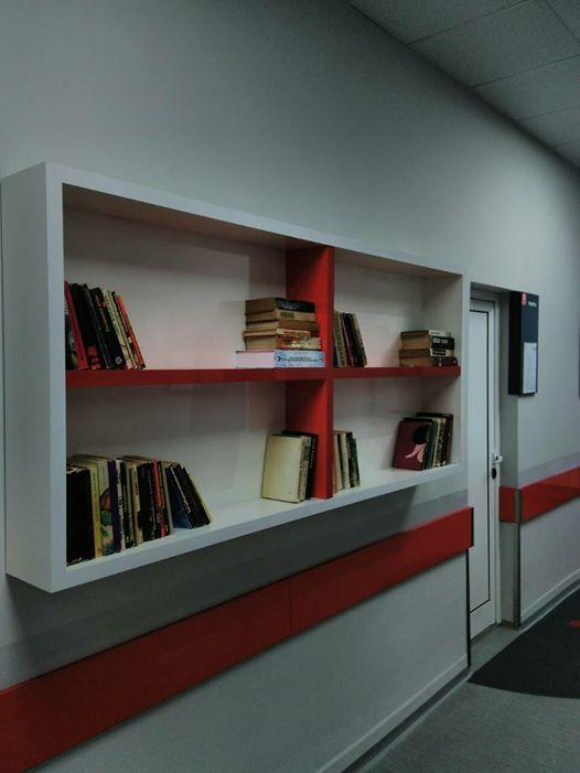 Стотици даряват книги за кампанията