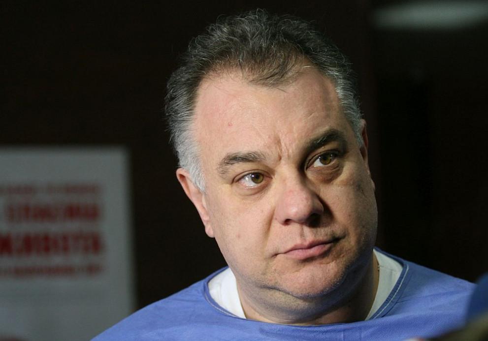 Мирослав Ненков: Не се правете на герои, взимайте болничен при грип