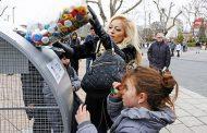 Напълниха с капачки голямото сърце на Бургас, отиват за реанимобил /галерия/