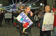 За цялостно творчество: Бургазлии поискаха оставката на Нено Димов. Протестът за Пирин събра над 100 души (ВИДЕО)