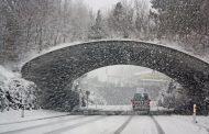 Пътищата са проходими, на места вали сняг
