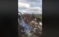 """Банкет за ромите в Радомирци. Натъпкан с """"Пепси"""" румънски ТИР се обърна край селото (ВИДЕО)"""