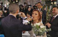 На 14- февруари влюбени се врекоха във вярност на площада в Бургас /видео/