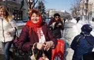 Баба Марта зарадва бургазлии в мразовития ден /снимки/