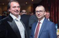 Братя Диневи отбелязаха Националния празник на България с празничен коктейл-заря