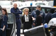 "Арестуваха зрелищно кметицата на ""Младост"