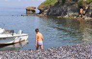 В събота островът ви очаква с пресни миди, студена бира и хубава музика
