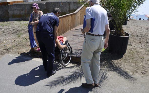 Провериха дали плажовете в Бургас са достъпни за хора с увреждания