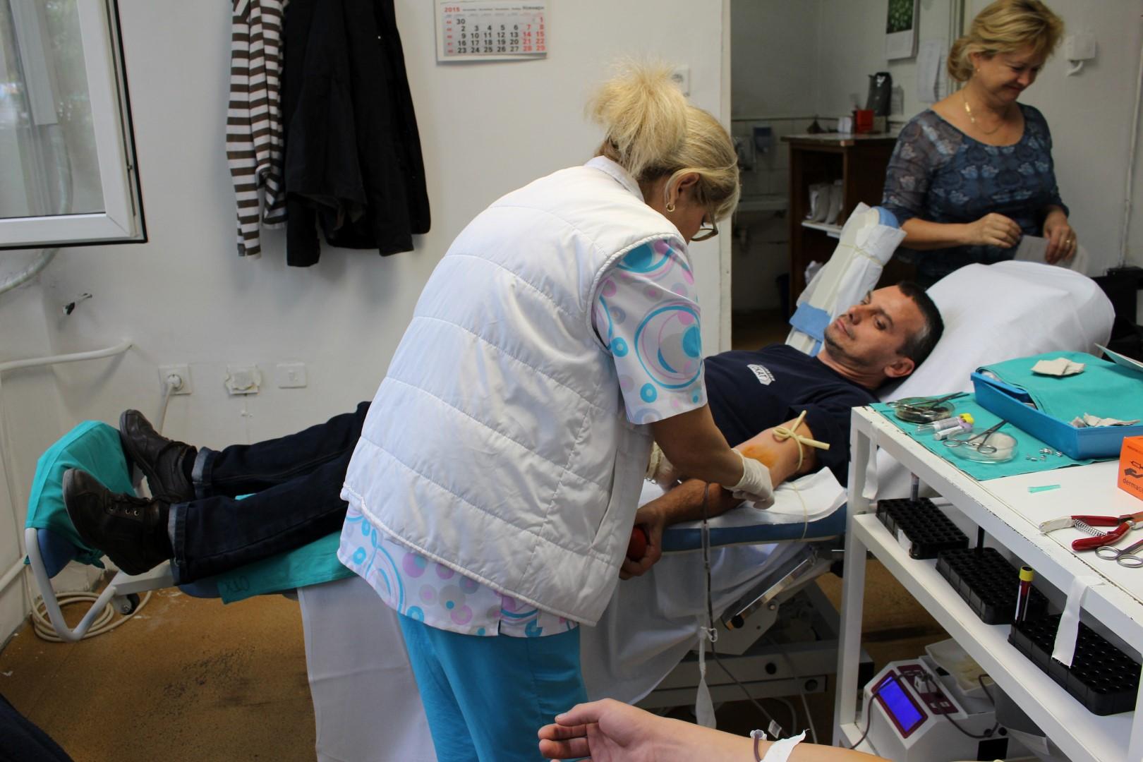 УМБАЛ Бургас призовава – дарете кръв в Световния ден на кръводарителя