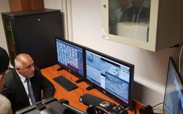 Борисов тества системата за видеонаблюдение в Поморие, разходи се в Пожарната и Полицията (СНИМКИ/ВИДЕО)