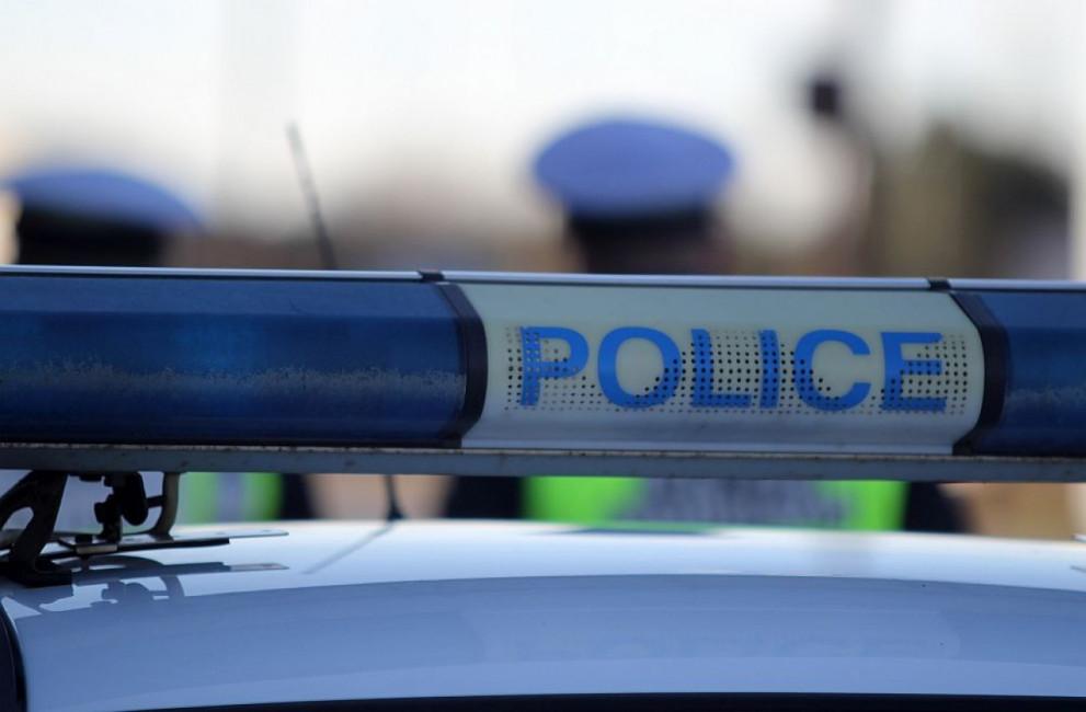 Молдовска гражданка, полицаи, пожарникари и един крадец