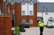 Двойката, открита в критично състояние във Великобритания, била изложена на
