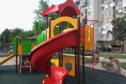 Община Бургас ремонтира и обнови пострадали от вандализъм детски площадки