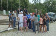 Животновъди от Воден отказаха да вземат парите си за убитите животни, заминават за София