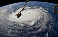 """""""Флорънс"""" приближава Източното крайбрежие на САЩ: Очакват се катастрофални наводнения"""