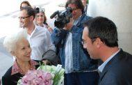 След 9 години Райна Кабаиванска отново се връща в роден Бургас