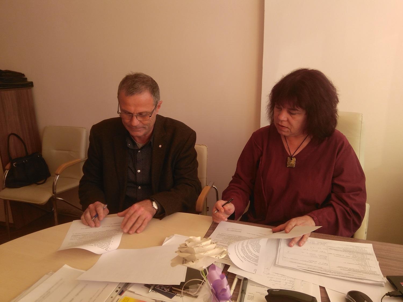 Споразумение за сътрудничество подписаха филиалът на НХА в Бургас и Музикалното училище