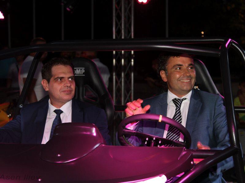 Борисов представи първия по рода си български електрически автомобил