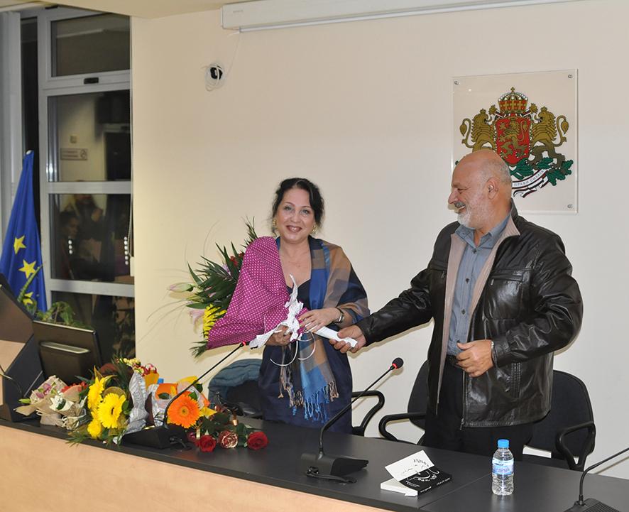 """Несебърската авторка Лилия Христова представи най-нова си книга """"Перо от черен котарак"""""""