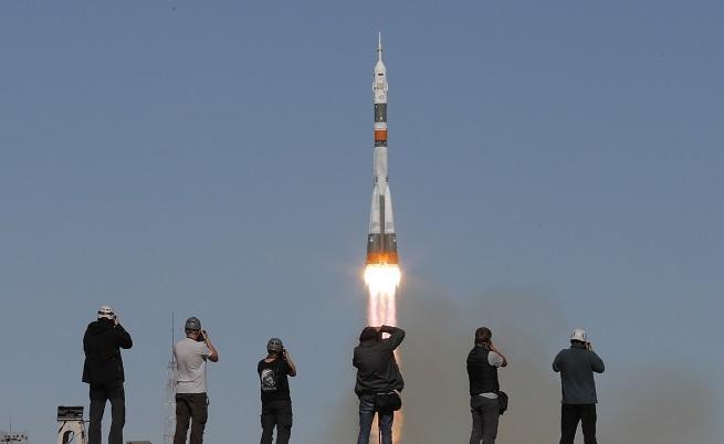 Авария с руска ракета, екипажът се приземи аварийно (ВИДЕО)