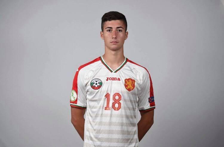 Мариян Димитров стана първият носител на наградата ''играч на месеца'' на феновете на Черноморец