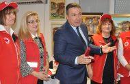 БЧК даде плакет за заслуги на несебърския кмет