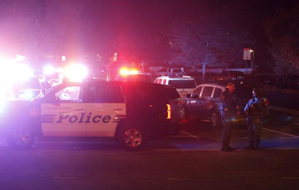 13 души са загинали при стрелба в Таузънд Оукс
