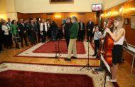 Живко Иванов подреди картини в парламента