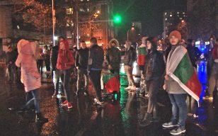 9 часа продължи протестът в Бургас, вдигнаха блокадата на Новата поща/ снимки/