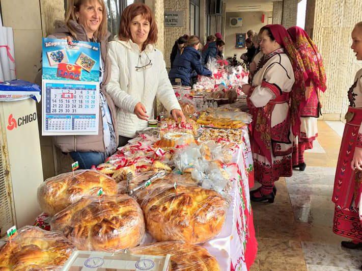 """В Равда се проведе благотворителен базар-  """"Коледа за Сами и приятели"""""""