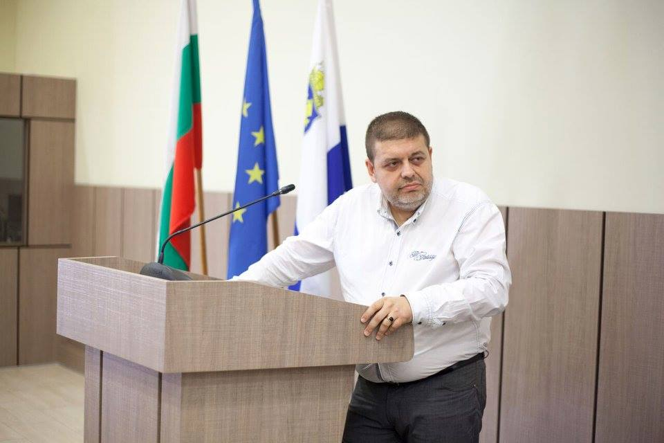Внезапно ни напусна адвокат Евгений Мосинов