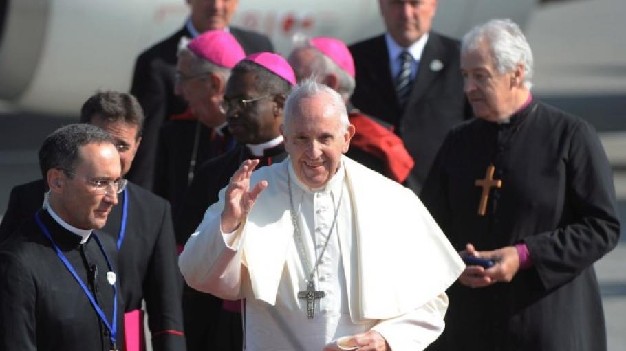 Папа Франциск ще посети България през май