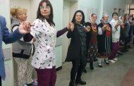 В АГ-отделението на МБАЛ – Поморие спазиха традициите на Бабинден /видео/