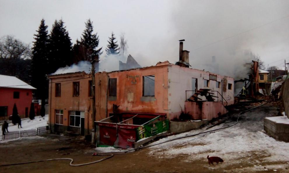 Скребатно: Пожар унищожи кметство, читалище и библиотека