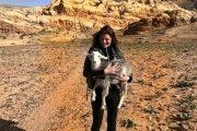 Михаела Филева позира с йорданска коза