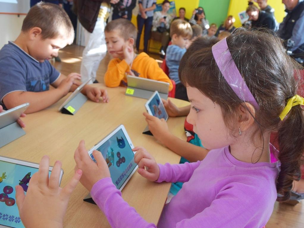 Запознайте се с актуализираните правила за прием в 1 клас, детска градина и ясла